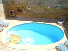 BALLUTA holiday house pool measuring 7 meters by 4 meters