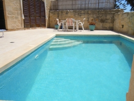 GIDI holiday house pool measuring 6 meters by 3 meters