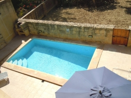 GUNO holiday house swimming pool area