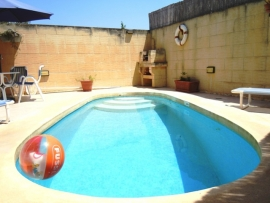 DUN NASTAS holiday house pool measuring 6 meters by 3 meters