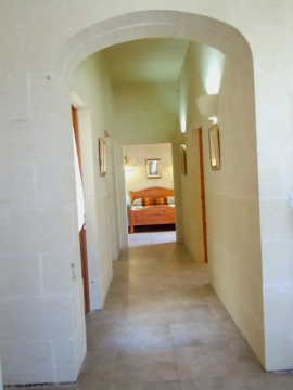 DUN NASTAS holiday house 2 bedrooms hallway