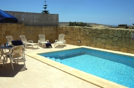 MARGIA holiday house pool area