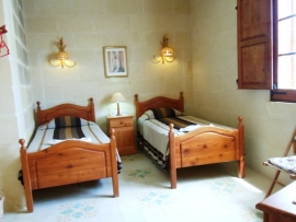 BALLUTA holiday house twin bedroom